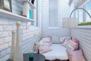 подушки на балконе